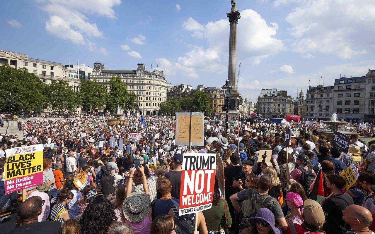 تظاهرات دهها هزار نفری در لندن در اعتراض به مرگ جورج فلوید